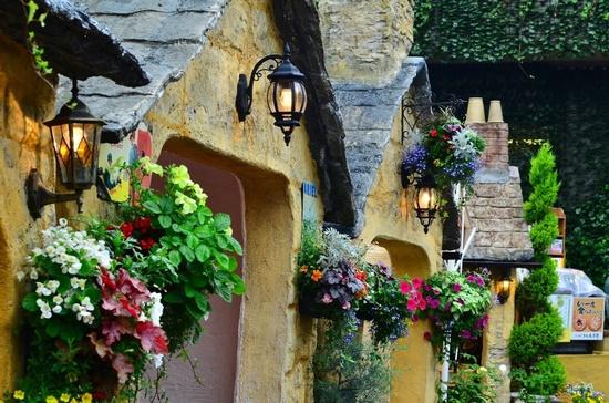 floral-village2
