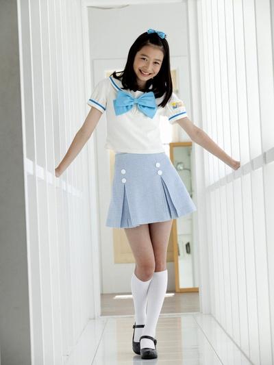 岡本夏美がワイドナショーに出演で人気!ドラマや専属モデルも?
